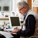 Jakie składki przy zatrudnianiu emeryta lub rencisty?